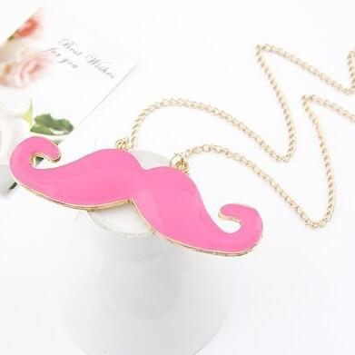 На картинке подвеска-кулон усы, цвет розовый.