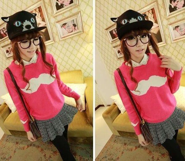 На картинке свитер с усами (3 варианта), общий вид, цвет розовый.