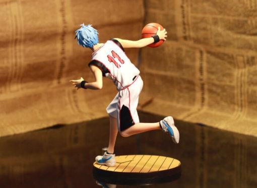 На картинке фигурка Тетсуя Куроко (Kuroko Tetsuya) Баскетбол Куроко (2 варианта), вид сзади.