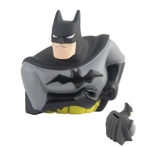 На картинке копилка «Бэтмен», вид спереди и сзади.