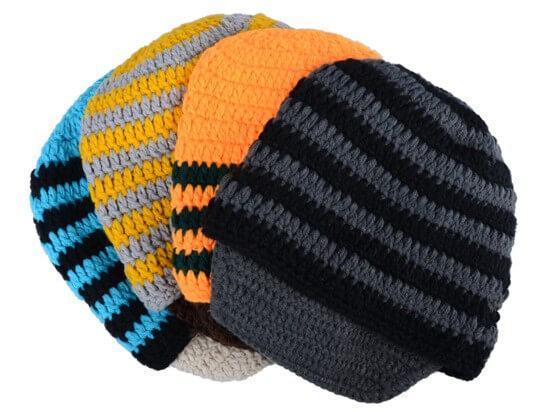 На картинке шапки с усами и бородой (4 варианта), общий вид.