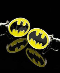 На картинке запонки «Бэтмен», общий вид.