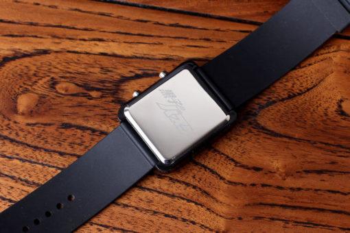 На картинке часы Баскетбол Куроко (Kuroko no Basuke), вид сзади.