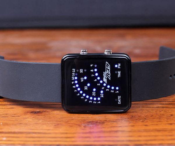 На картинке часы Баскетбол Куроко (Kuroko no Basuke), вид спереди.