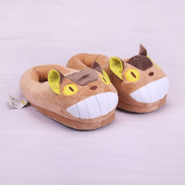На картинке тапочки «Тоторо» (Totoro), общий вид, цвет коричневый.