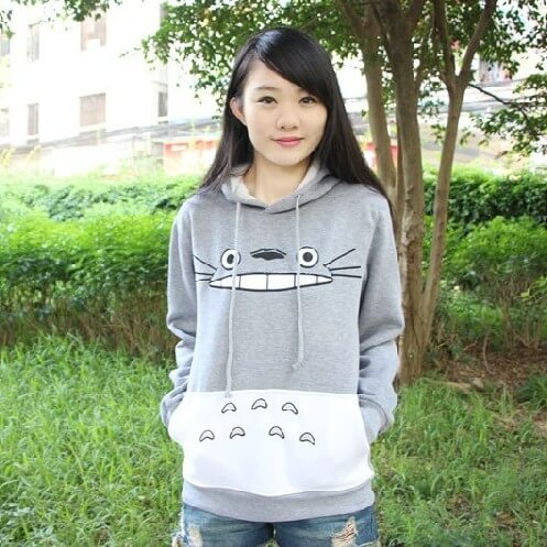 На картинке толстовка Тоторо (Totoro), вид спереди.
