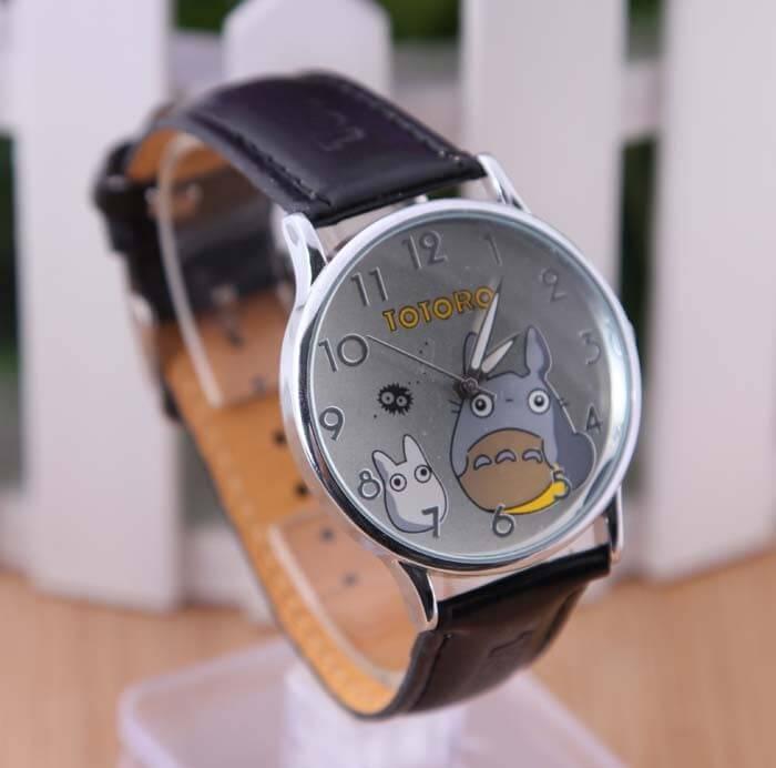 На картинке часы «Тоторо» (Totoro), общий вид.