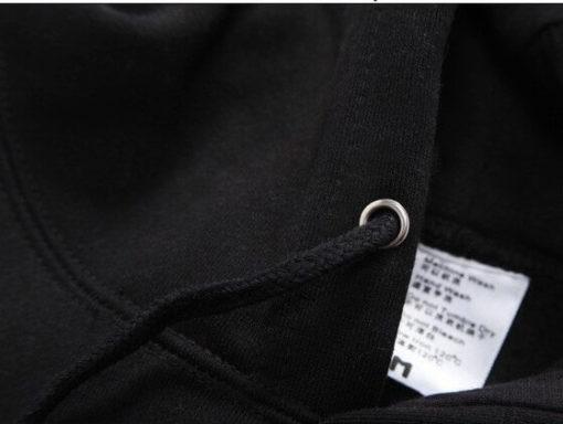 На картинке толстовка «Токийский гуль» Кен Канеки, детали.