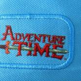 На картинке рюкзак «Время приключений», детали.