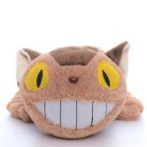 На картинке игрушка Котобус (кот автобус) из аниме «Мой сосед Тоторо», вид спереди.