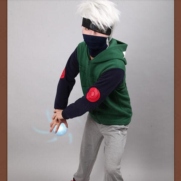На картинке толстовка из Наруто в виде костюма Какаши, общий вид.