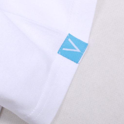 На картинке футболка Наруто (Naruto), детали, цвет белый.