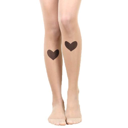 На картинке колготки с рисунком тату «Сердце», вид спереди.