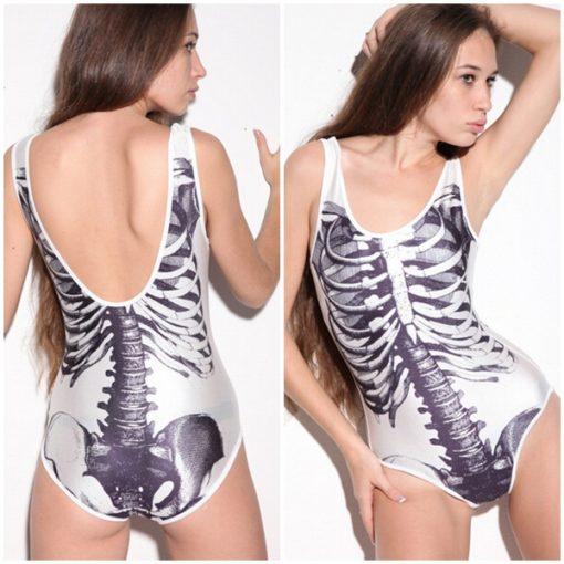 На картинке купальник с принтом «Скелет», вид спереди и сзади.