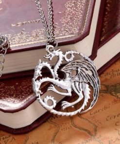 На картинке кулон «Герб дома Таргариенов» (Игра престолов), вид спереди.