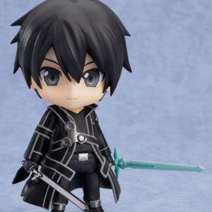 На картинке нендроид Кирито «Sword Art Online», вид спереди.