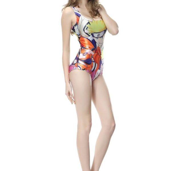 На картинке слитный купальник с принтом «Наруто», общий вид.