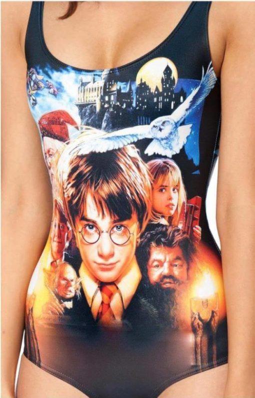 На картинке купальник «Гарри Поттер», вид спереди.