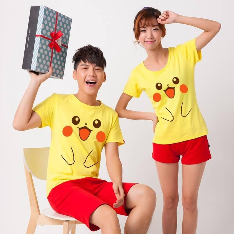 На картинке футболка «Пикачу» (Покемоны), вид спереди.