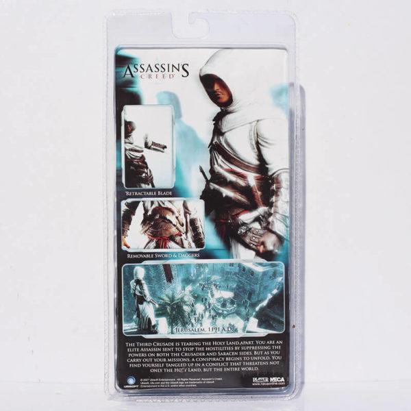 На картинке фигурка Альтаира (Ассасин крид), упаковка.