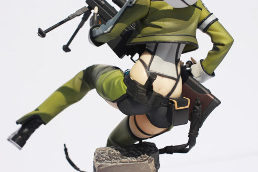 На картинке фигурка Синон «Sword Art Online», детали.