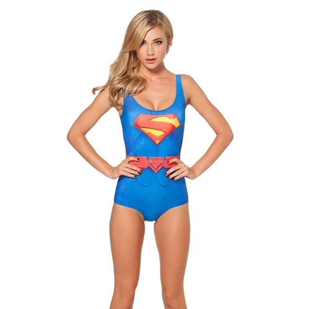 На картинке купальник «Супермен», вид спереди.