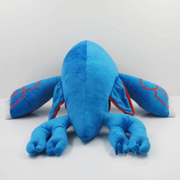 На картинке мягкая игрушка покемон Кайогр (kyogre), вид сзади.