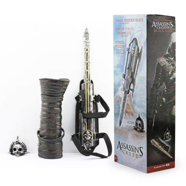 На картинке клинок Эдварда Кенуэй (Ассасин крид 4), детали и упаковка.