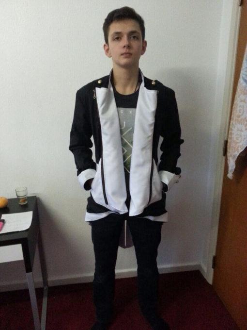 На картинке куртка ассасина Коннора (Ассасин крид) Assassins creed, вид спереди.