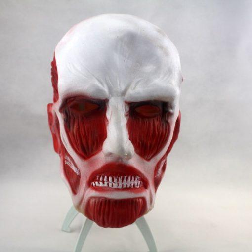 На картинке маска титана из аниме «Атака титанов», вид спереди.