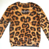 На картинке свитшот «Леопард», вид сзади.