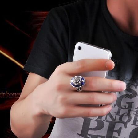 На картинке кольцо Деймона Сальваторе (Дневники вампира), общий вид.