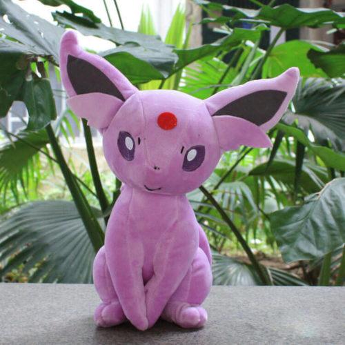 На картинке мягкая игрушка покемон Эспеон (Espeon), вид спереди, 30 см.