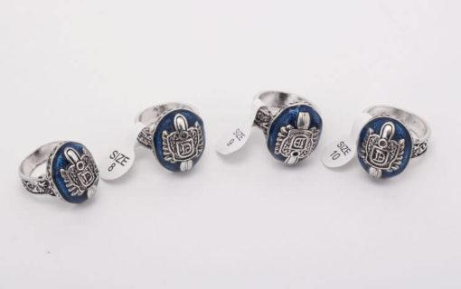 На картинке кольцо Деймона Сальваторе (Дневники вампира), общий вид, разные размеры.