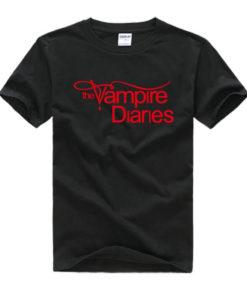 На картинке футболка «Дневники вампира», вид спереди, цвет черный.