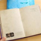 На картинке ежедневник «Дневники вампира», в раскрытом виде.