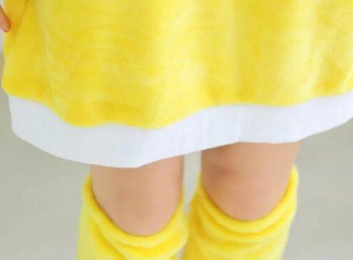 На картинке косплей платье «Пикачу» (Покемоны), детали.