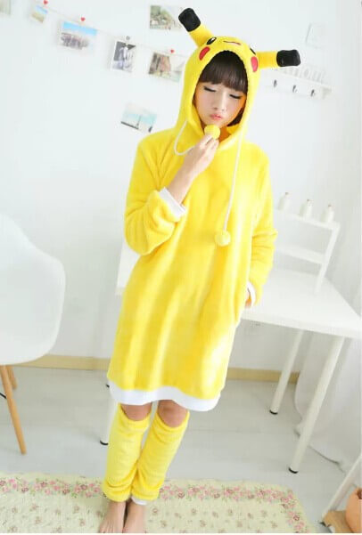 На картинке косплей платье «Пикачу» (Покемоны), вид спереди.
