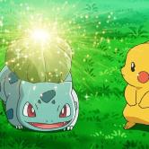 На картинке мягкая игрушка покемон Бульбазавр (Bulbasaur), кадр из аниме.