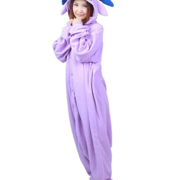 На картинке пижама-кигуруми «Эспеон» Espeon (Покемоны), общий вид.