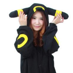 На картинке пижама-кигуруми «Умбреон» Umbreon (Покемоны), детали.
