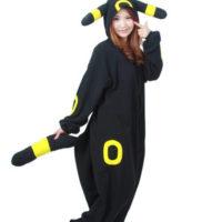 На картинке пижама-кигуруми «Умбреон» Umbreon (Покемоны), общий вид.