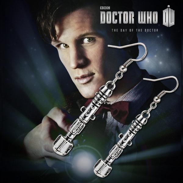 На картинке сережки «отвертка Доктора Кто».