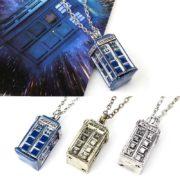 На картинке кулон «Доктор Кто», 3 варианта.