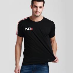 На картинке футболка N7 Mass effect (Масс эффект), вид спереди.