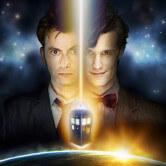 На картинке шарф «Доктор Кто» Синяя полицейская будка, промо к сериалу.