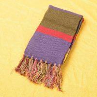 На картинке шарф «Доктор Кто», общий вид.