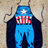 На картинке фартук «Капитан Америка», вид спереди.