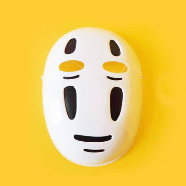 На картинке косплей костюм Безликого (Унесенные призраками), маска.