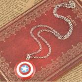 На картинке кулон «Капитан Америка», общий вид.